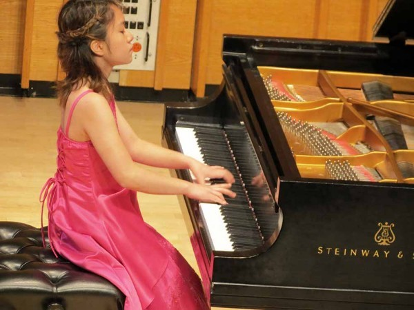 Watch SMS student Vian Wagatsuma perform at the 2015 Kaufman Music Center International Youth Piano Competition