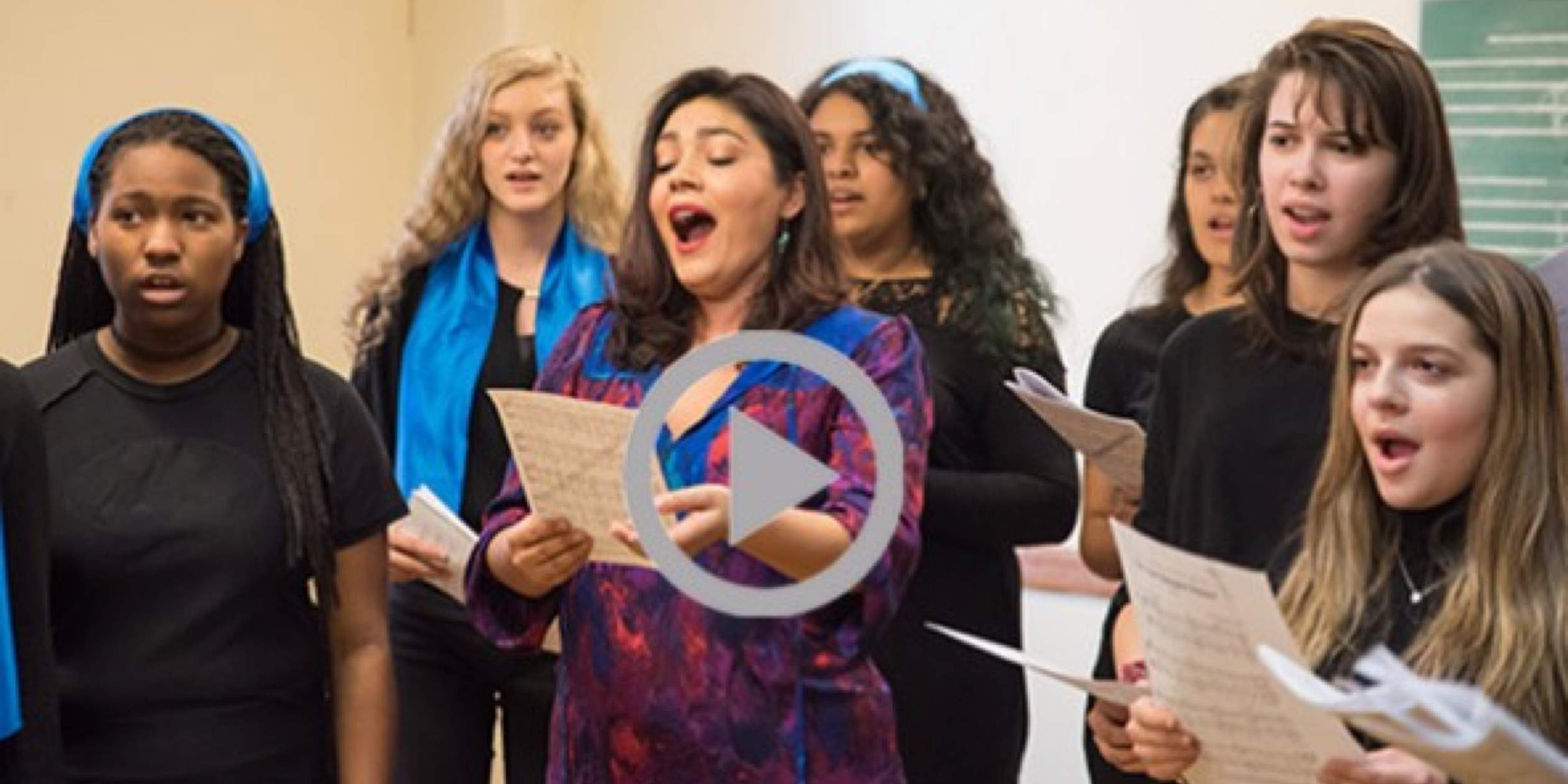 Watch SMS High School students sing with opera star Ailyn Pérez
